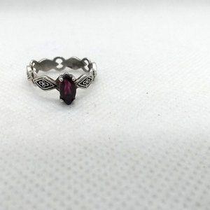 Vintage Avon 925 NV Silver Garnet Ring, Size 6 1/4